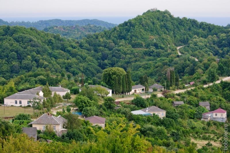 Горная панорама в окрестностях Пицунды.