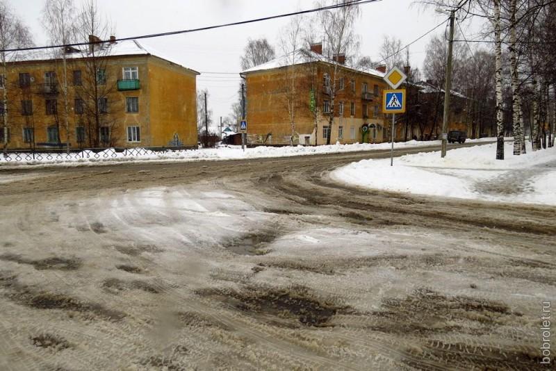 Проезжая часть улицы Мира в районе ЖДВ.