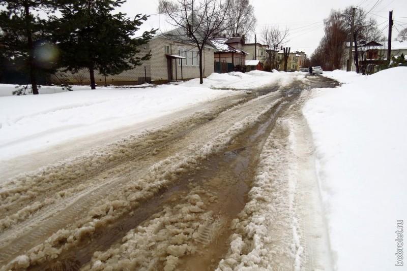 Улица Смольная в 100 метрах от главной (б.Спасской).