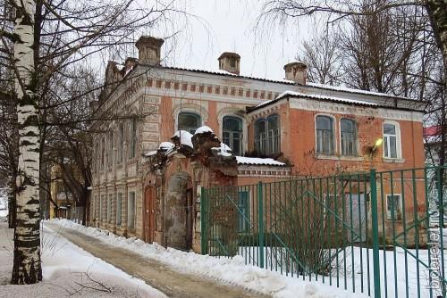 Старинный особняк на Октябрьской улице.