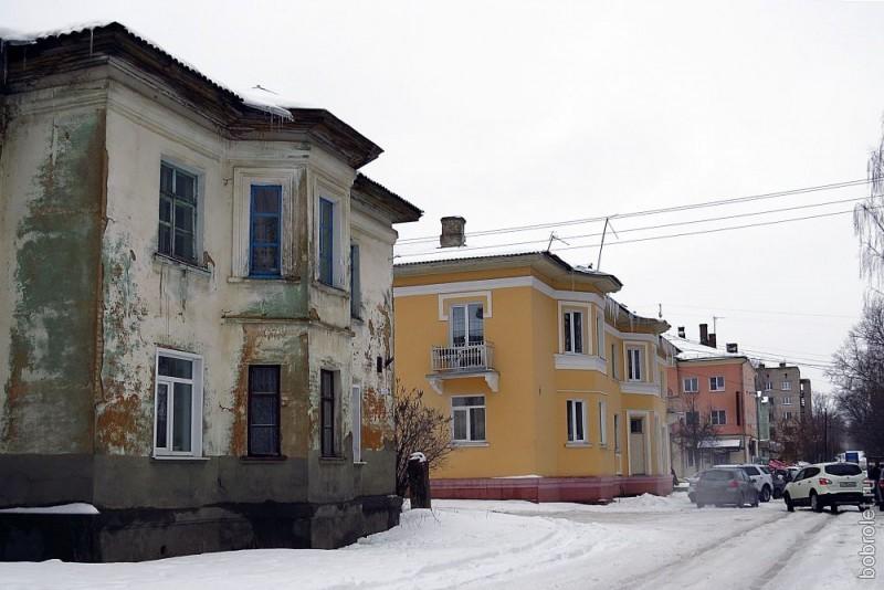 Самая сочная изюминка рядовой застройки Ржева - вот эти уютные двухэтажные домики на Смольной улице...