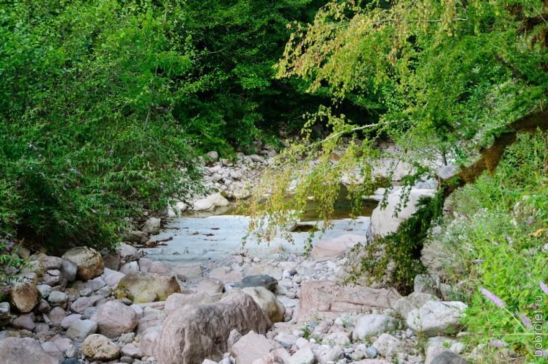Река Сандрипш сливается с рекой Жеопсе, и вместе они образуют реку Хашупсе.
