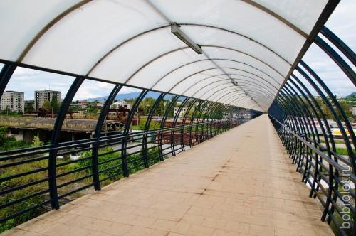 Мост через железную дорогу.