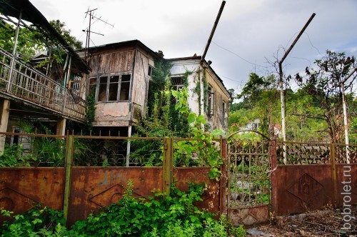 На ней особенно живописные развалины - вот где рай для сталкеров.